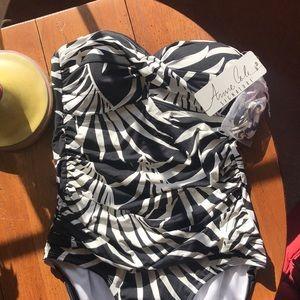 Anne Cole Signature bandeau swimsuit size 8